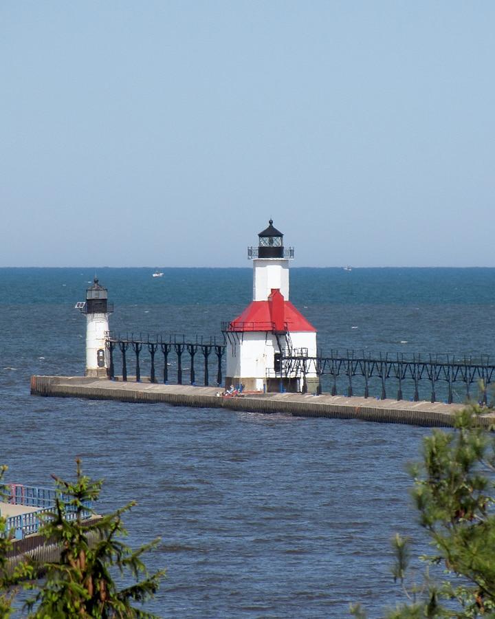 Drive Around Lake Michigan Tour