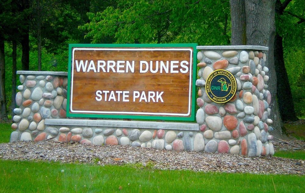 warren dunes state park entrance